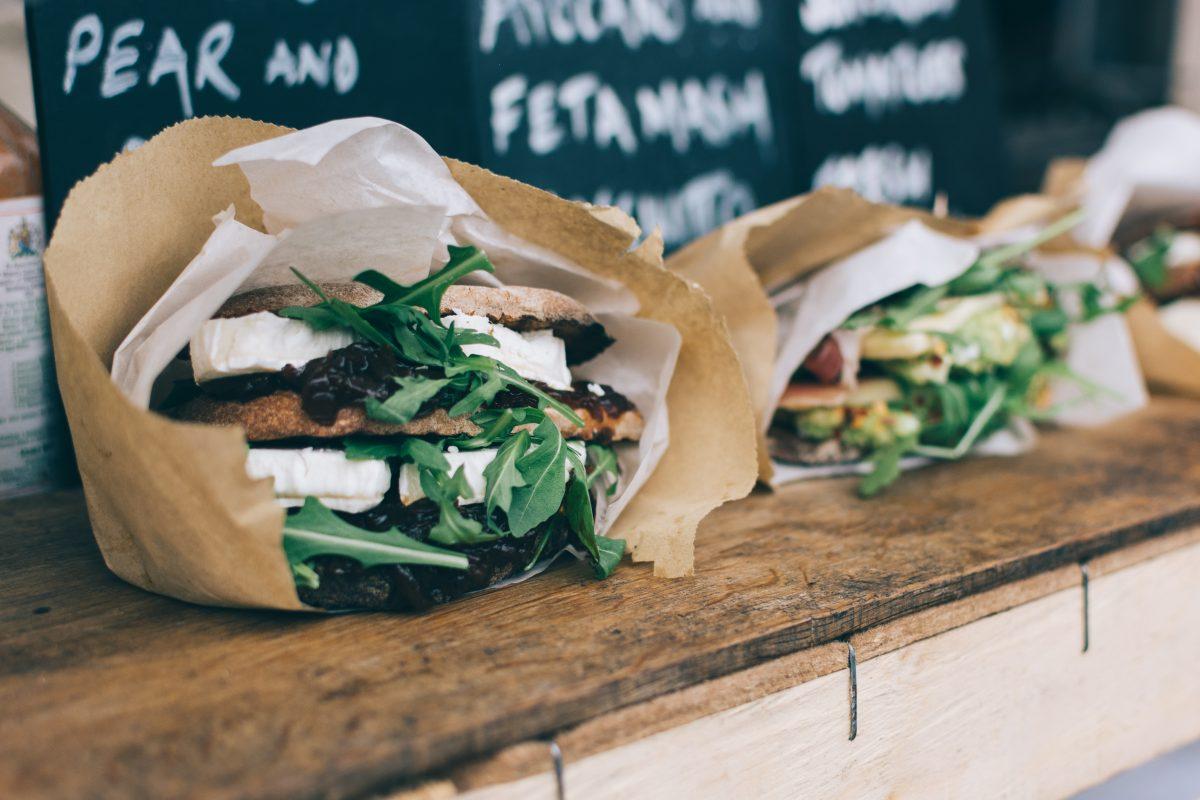 Dieta e ristorante: istruzioni per l'uso.